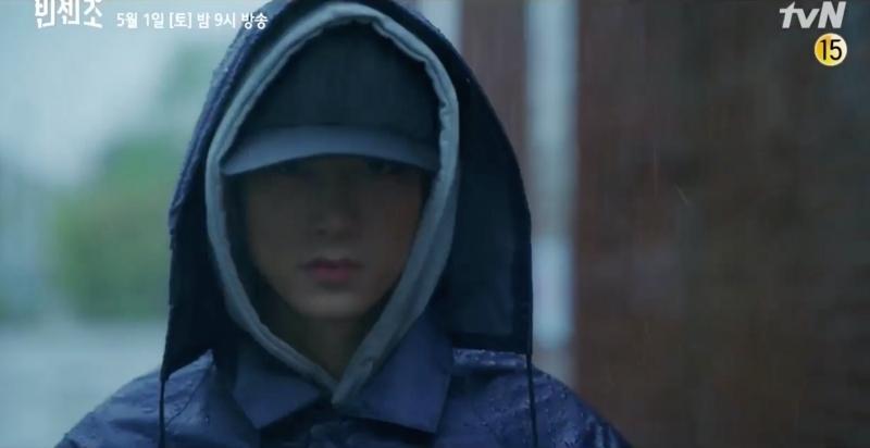 'Vincenzo' trailer tập 19: 'Trai đẹp nai tơ' bị Taecyeon bắn chết, Jeon Yeo Bin lần này 'lành ít dữ nhiều'
