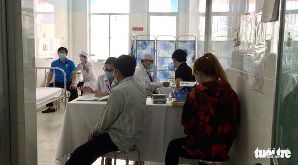 Chiều 17-4: Thêm 8 ca COVID-19 mới, Bộ Y tế phân bổ lại 110.000 liều vắc xin của COVAX đợt 2