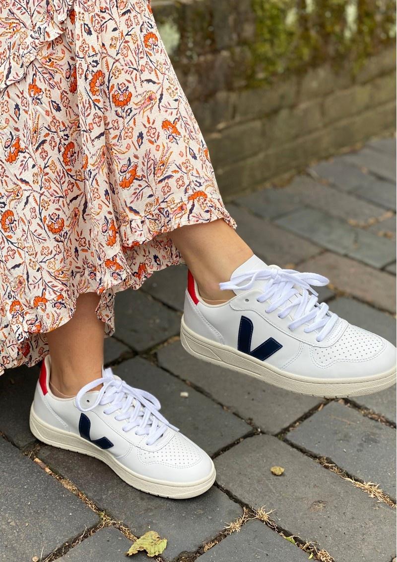10 mẫu giày trắng đáng mua dành cho nữ