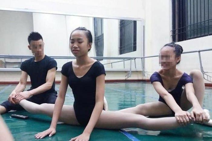 """Trầy da, giãn cơ hơn 6 năm học, nữ sinh trường Múa vẫn """"trắng tay"""" ra trường"""