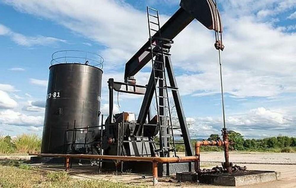 Giá dầu hôm nay 8/4: Nhiều thông tin bất lợi, giá dầu tiếp tục tụt sâu