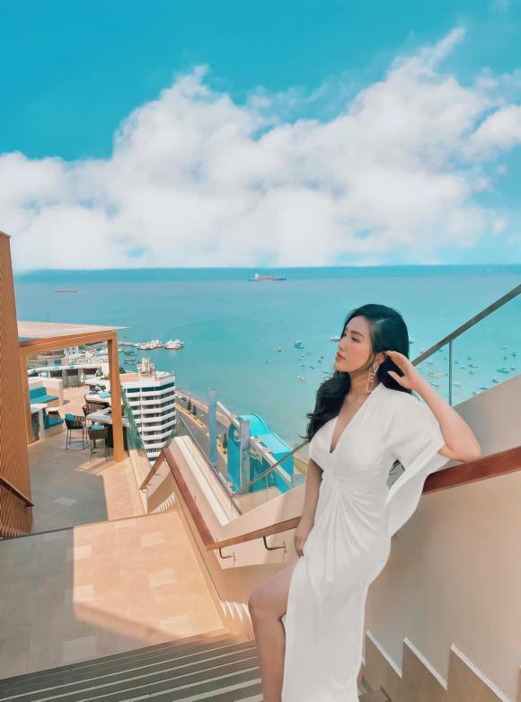 """Sao Việt 16/4/2021: Kim Tiểu Long tiết lộ cuộc sống hiện tại của giọng ca """"Chân tình"""" ở Mỹ; Như Quỳnh đến viếng mộ """"vị tổ của bộ môn nghệ thuật cải lương"""""""