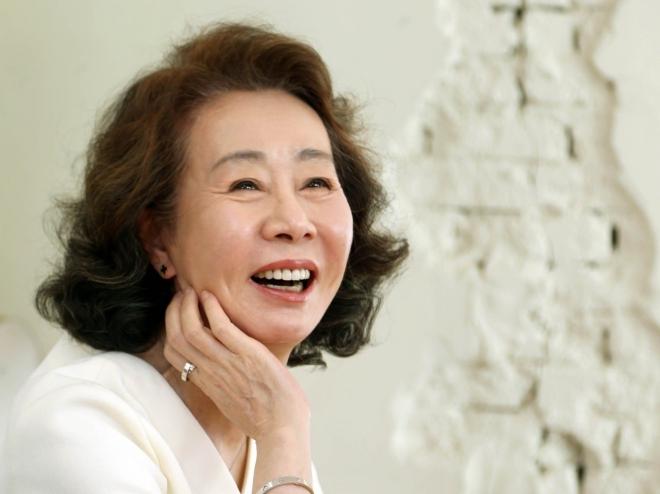 """Nữ diễn viên Hàn Quốc đầu tiên được đề cử Oscar: Youn Yuh Jung, một """"Meryl Streep xứ Hàn"""""""