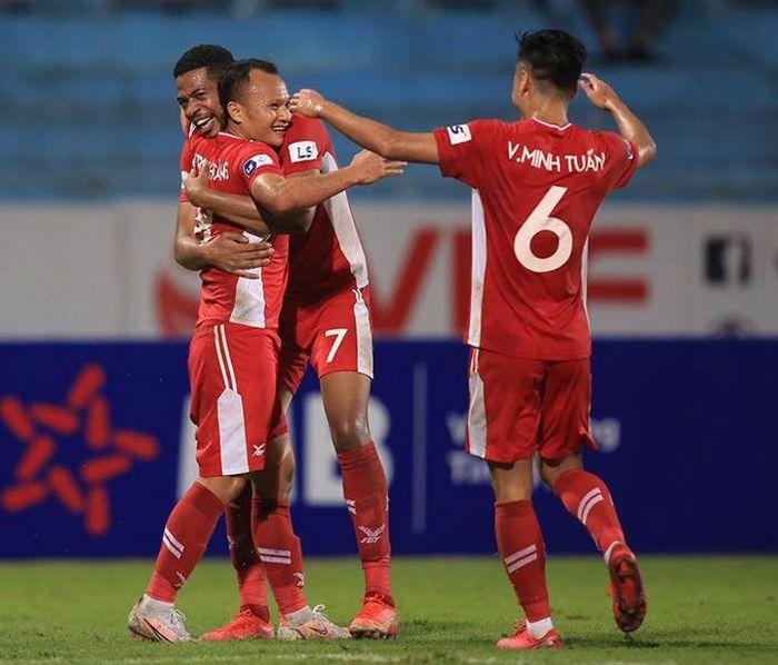 """Minh Tuấn, Trọng Hoàng tỏa sáng, Viettel FC """"đè bẹp"""" Sài Gòn FC"""