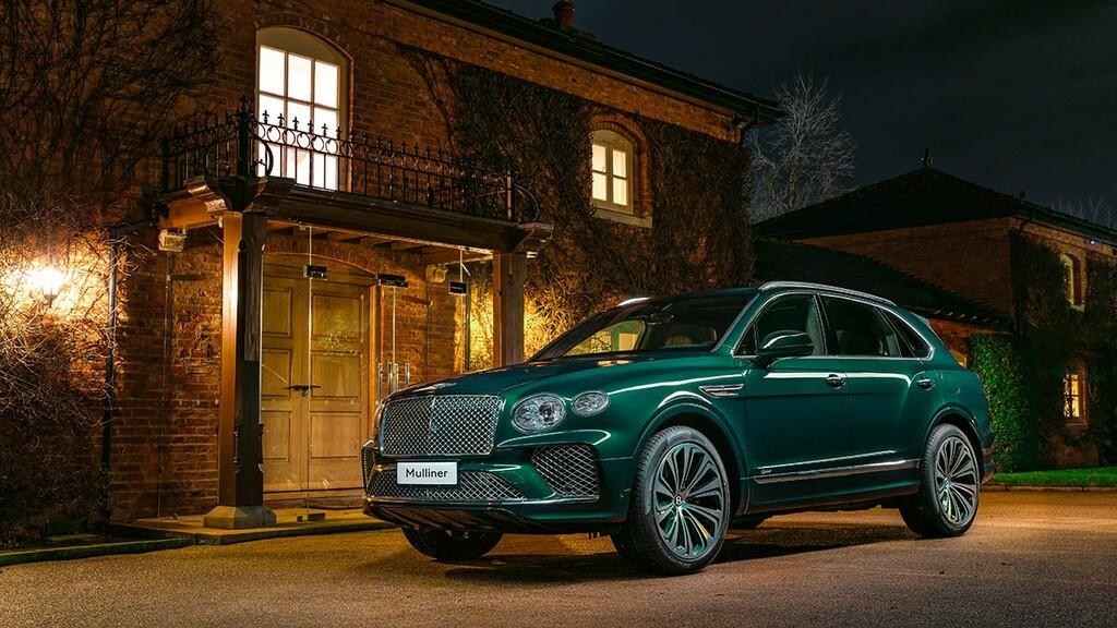 Chiêm ngưỡng Bentley Bentayga Hybrid Mulliner màu ngọc lục bảo siêu đẹp