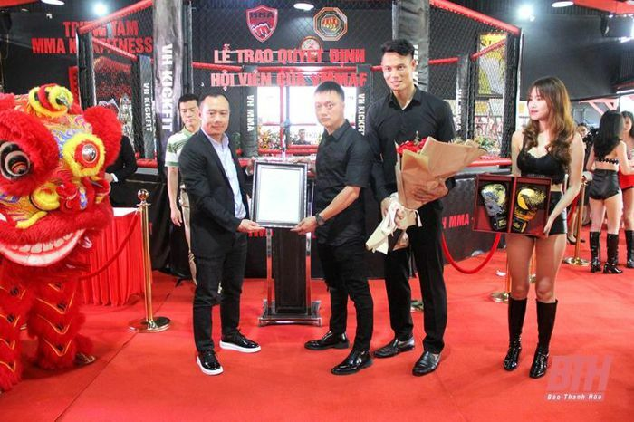 Khai trương Trung tâm MMA Kickfitness VH Thanh Hóa và trao quyết định hội viên Liên đoàn Võ thuật tổng hợp Việt Nam