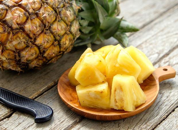 2 loại thực phẩm tuyệt đối không ăn cùng quả dứa, có thể gây ngộ độc thậm chí kích thích tế bào xấu trong cơ thể phát triển