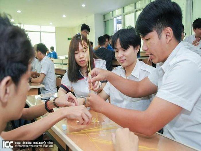 5 trường đại học tại TP.HCM được tổ chức thi tiếng Anh 6 bậc