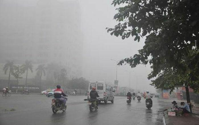 Cảnh báo thời tiết nguy hiểm ở vùng núi Bắc Bộ, Hà Nội có mưa và mưa nhỏ