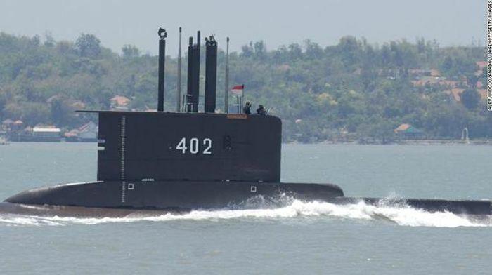 Oxy trên tàu ngầm Indonesia mất tích sắp cạn