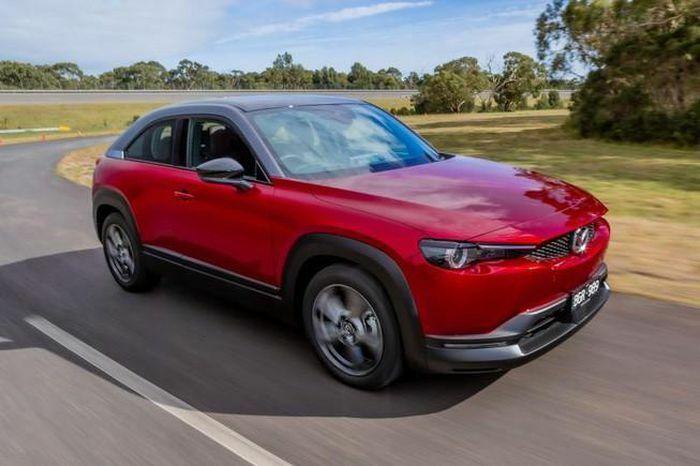 Mazda ra mắt xe điện có giá 597 triệu đồng