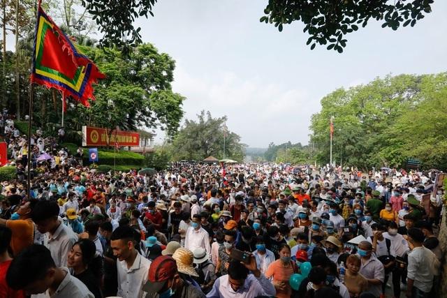 Lo dịch bùng phát, Bộ Văn hóa đề nghị hạn chế lễ hội đông người