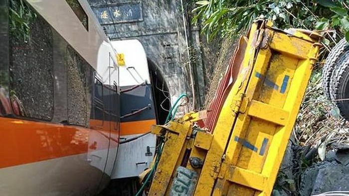 Tai nạn tàu hỏa thảm khốc ở Đài Loan, ít nhất 36 người thiệt mạng