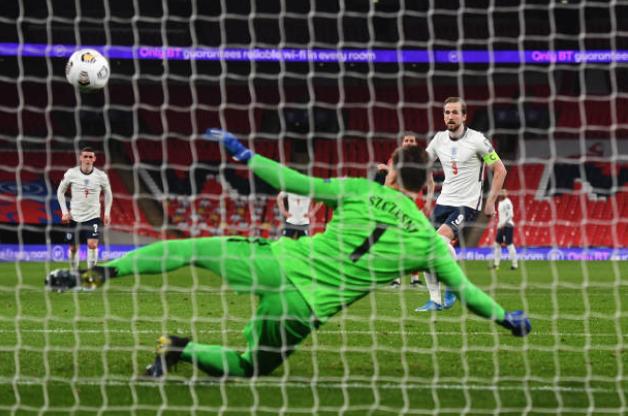 Maguire tung đòn kết liễu, Tam Sự hạ gục Đại bàng trắng tại Wembley