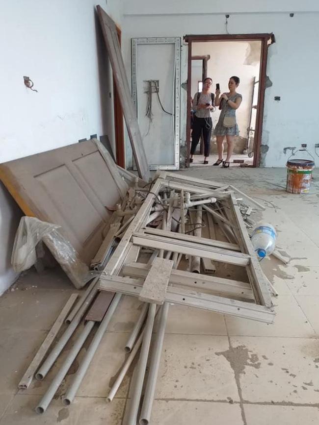 Hà Nội: Tòa chung cư hoành tráng xây hơn chục năm mới… gần xong, người mua cầu cứu vì đã nộp tới 140% tiền mà vẫn phải ở nhà thuê