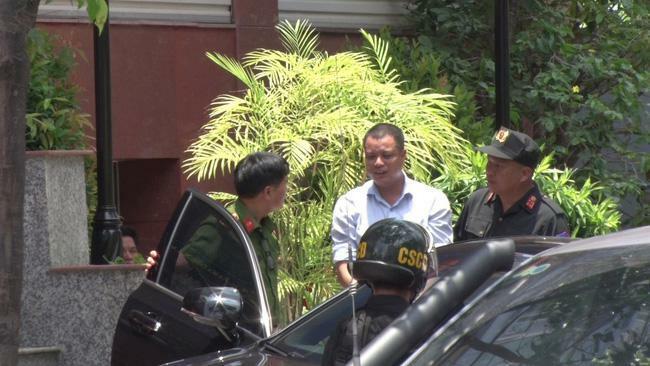 Petrolimex nói gì về việc một giám đốc chi nhánh bị bắt vì buôn lậu?