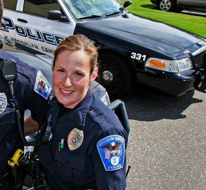 Cảnh sát trưởng Brooklyn Center từ chức sau vụ sĩ quan bắn chết người