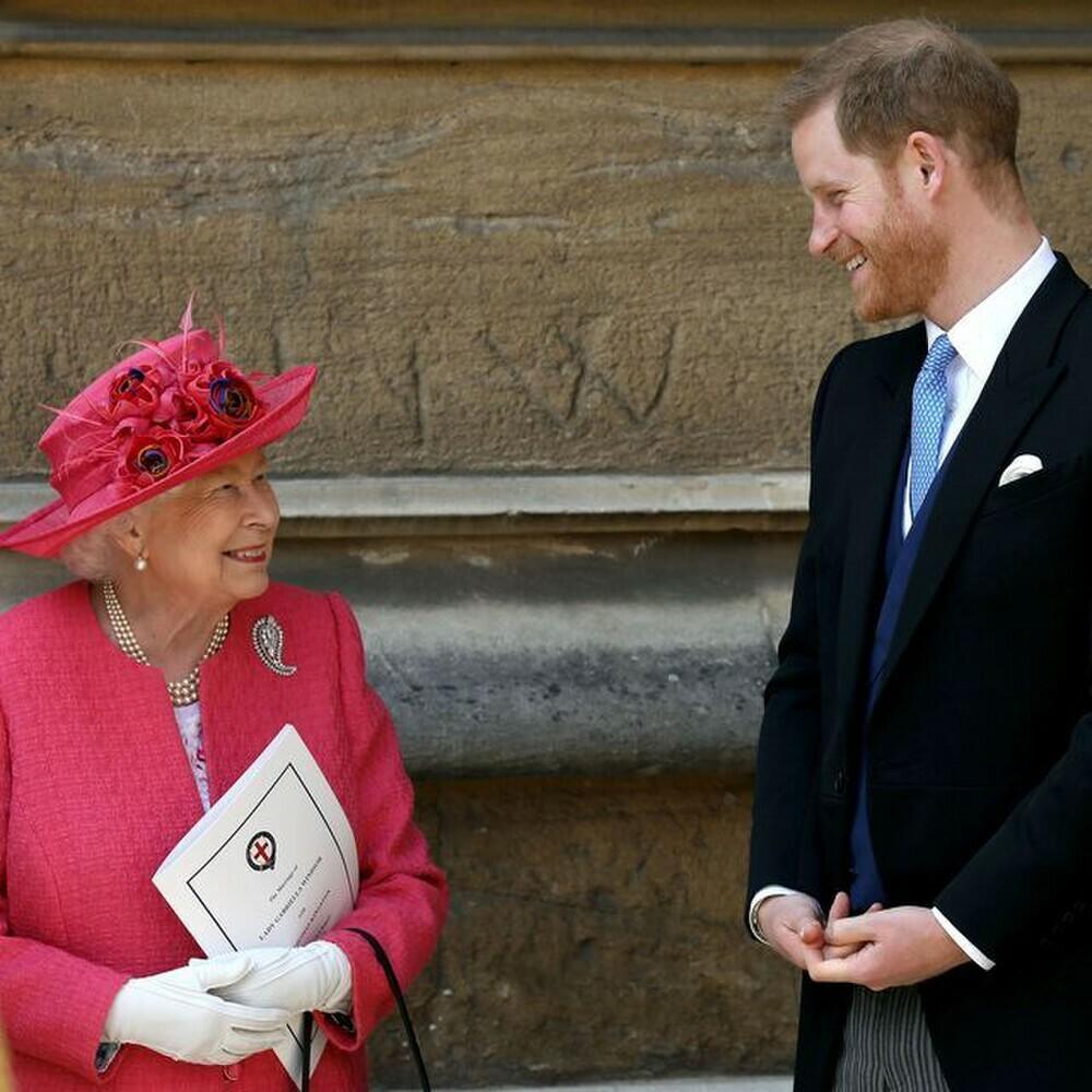 """Harry có thể đã gặp riêng Nữ hoàng """"ít nhất 2 lần"""" khi về Anh dự tang lễ ông nội"""