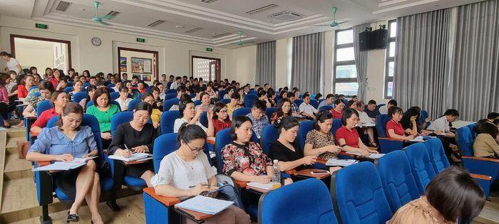 """Lào Cai: Nâng """"chất"""" CBQL, GV dạy lớp 1 qua sinh hoạt chuyên môn"""