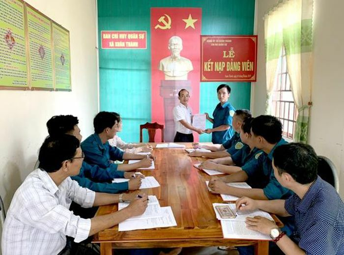 Khơi dậy sự quan tâm xây dựng Đảng của các tầng lớp dân cư