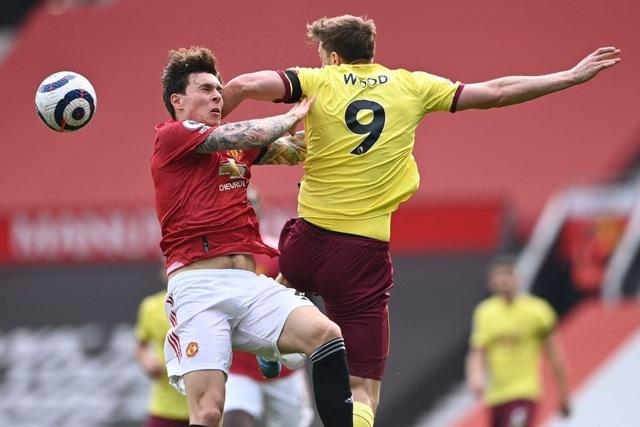 """Man Utd 3-1 Burnley: Cú đúp ấn tượng của """"măng non"""" Greenwood"""