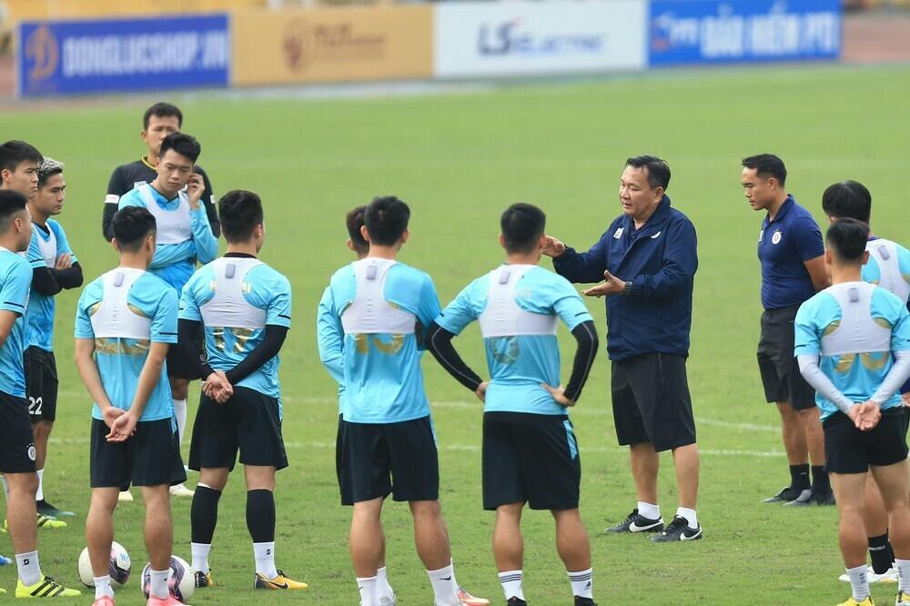 HLV Hoàng Văn Phúc tham vọng vô địch V-League 2021 cùng Hà Nội FC