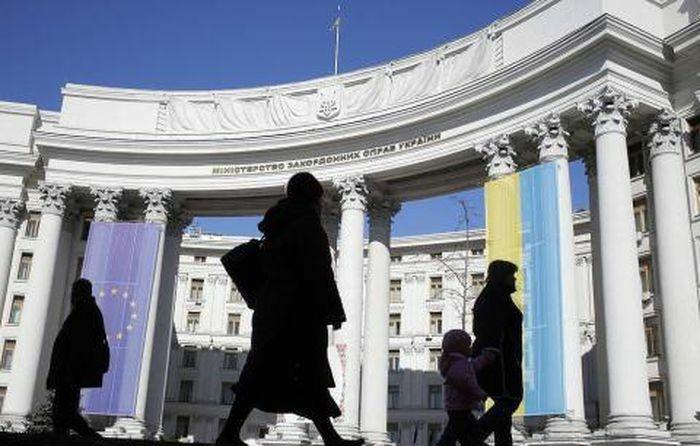 Ukraine dọa trục xuất ngoại giao Nga theo làn sóng phương Tây