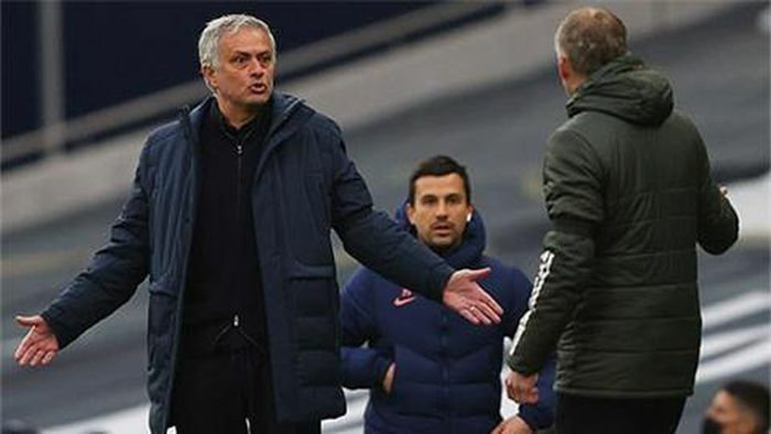 Tottenham bị nhà tài trợ mới chế giễu ít phút sau khi ký hợp đồng