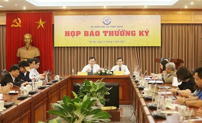 """Chuẩn bị thử nghiệm tiêm lâm sàng giai đoạn 3 vaccine """"made in Vietnam"""""""