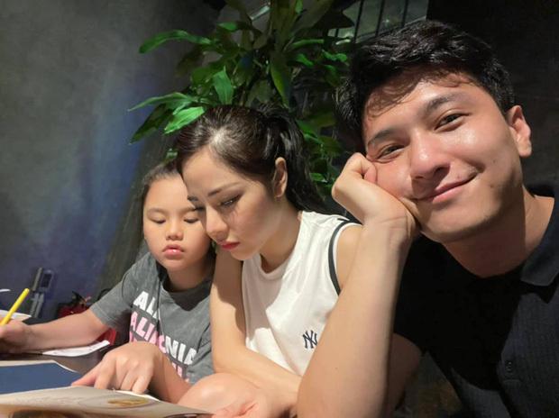 Chỉ với vài khoảnh khắc cuối tuần, Huỳnh Anh đã chứng minh tình cảm với con riêng của hôn thê hơn 6 tuổi