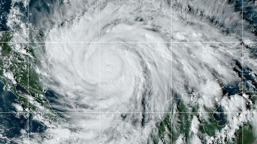 Hòn đảo Colombia lần đầu tiên trong lịch sử đón siêu bão sức mạnh khủng khiếp