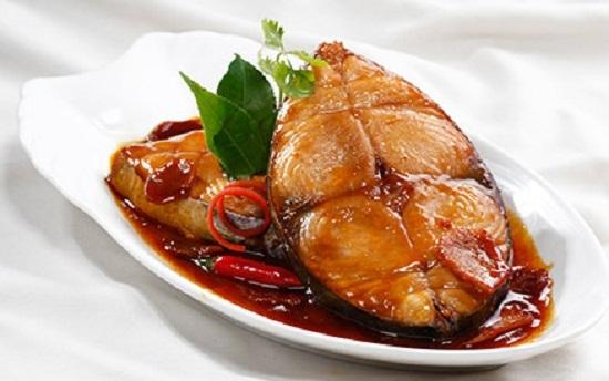 Hướng dẫn nấu món cá thu kho ớt xiêm chuẩn vị miền Trung
