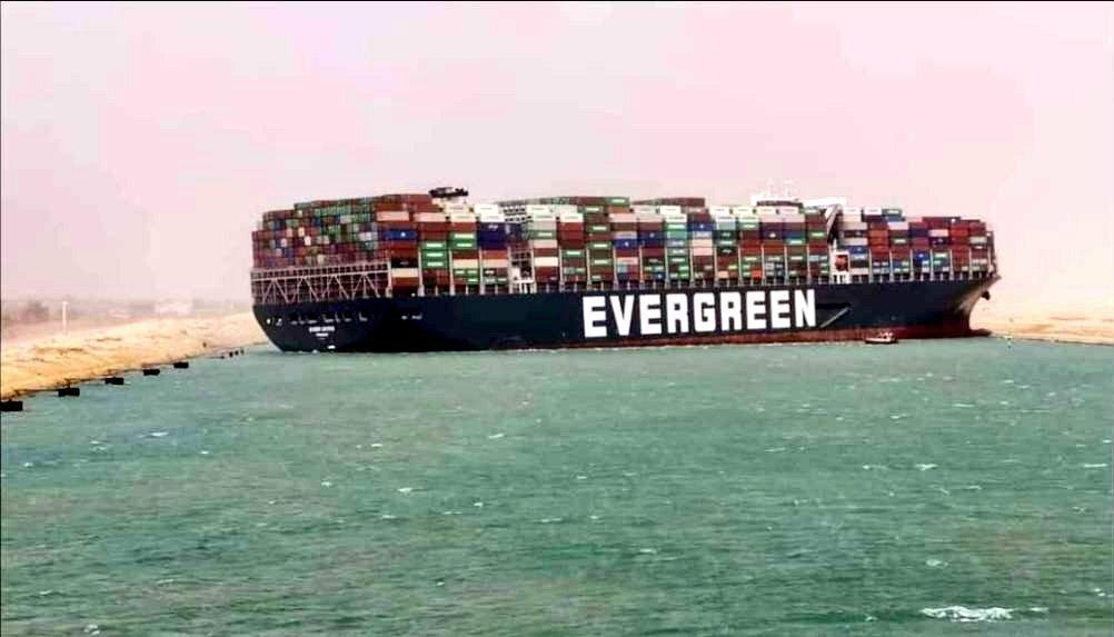 Toà án Ai Cập chính thức ra phán quyết về siêu tàu chở hàng từng mắc cạn ở Suez