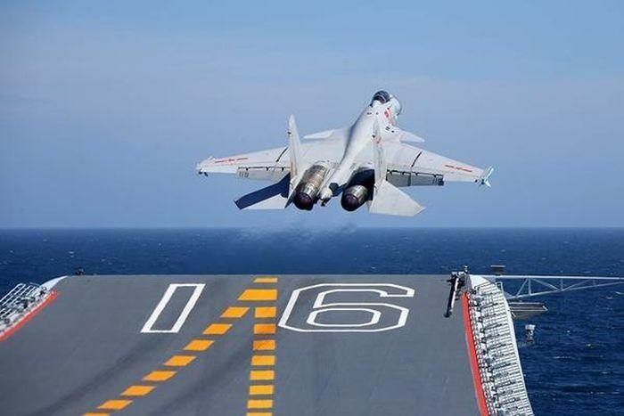 Điều tàu sân bay và dàn tiêm kích tới gần Đài Loan, Trung Quốc muốn gì?