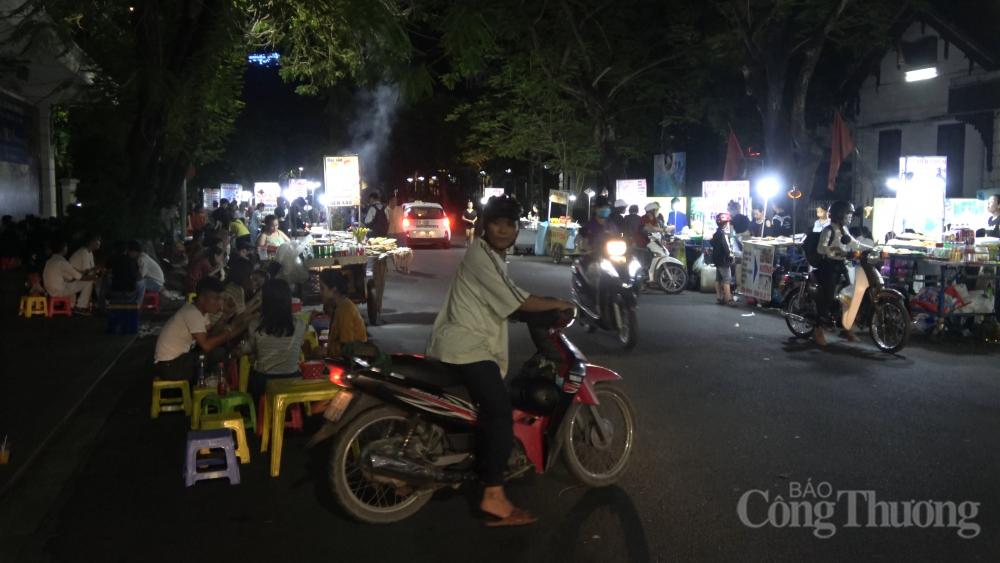 Thừa Thiên Huế: Chợ đêm tự phát ngang nhiên hoạt động giữa lòng thành phố