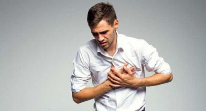 """Đau tức ngực, khó thở – Trào ngược đang """"bào mòn"""" sức khỏe của bạn như thế nào?"""