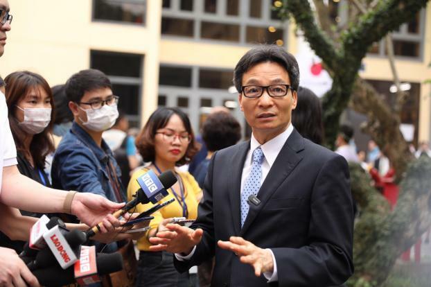 PTT Vũ Đức Đam nói về sức khỏe của mình khi tiêm thử nghiệm vắc-xin COVID-19 Việt Nam