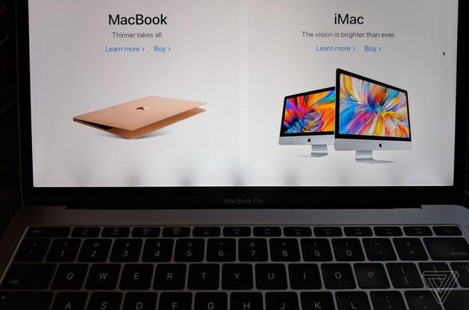 """Thẩm phán cho rằng Apple cố tình bán các mẫu MacBook Pro 2016 và 2017 có vấn đề về màn hình """"flexgate"""" ra thị trường dù biết rất rõ về lỗi."""