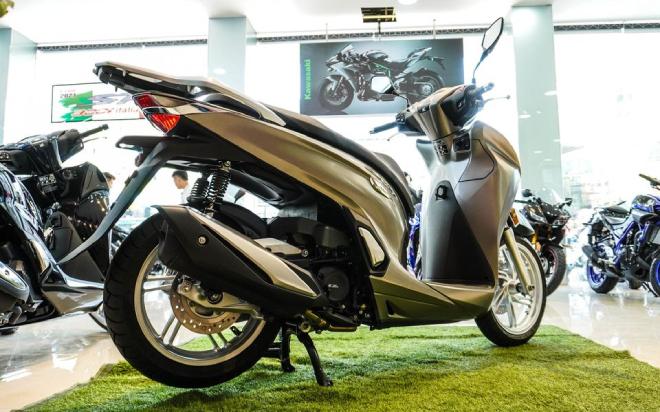 Vua tay ga Honda SH350i đầu tiên về Việt Nam, giá chát 328 triệu đồng