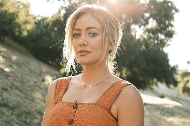 """Hilary Duff chốt vai chính trong How I Met Your Mother bản """"đảo ngược"""", netizen ngay lập tức lo sốt vó"""