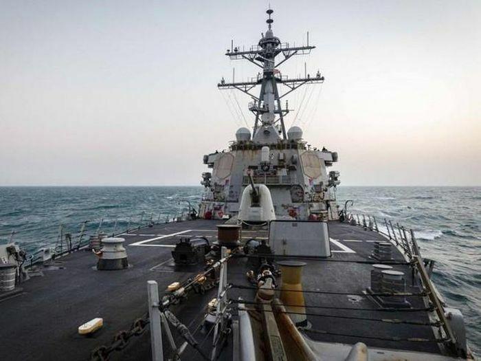 Eo biển Đài Loan:Tàu chiến Mỹ, 15 tiêm kích Bắc Kinh hiện diện