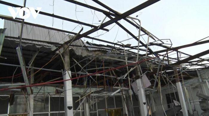 Lốc xoáy gây thiệt hại nặng tại Hậu Giang