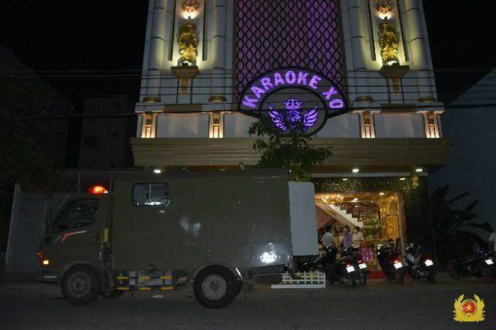 Bắt quả tang 22 nam nữ dương tính với ma túy ở cơ sở kinh doanh karaoke tại Tiền Giang
