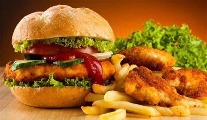 """Những loại thực phẩm được mệnh danh là """"sát thủ"""" của xương khớp"""