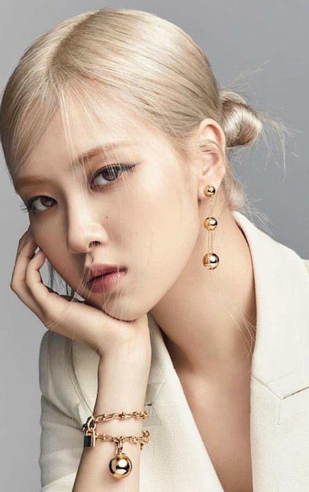 Rosé Black Pink trở thành đại sứ toàn cầu cho hãng trang sức cao cấp