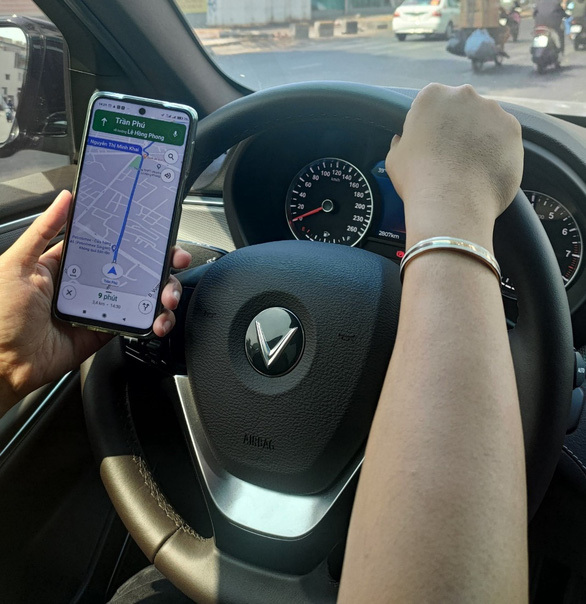 Biến xế yêu thành 'Smartcar' với HUD dẫn đường VIETMAP mới