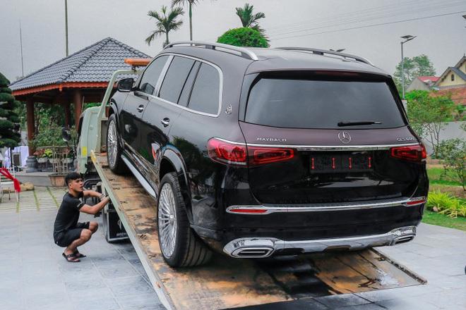 Gia tài của nữ đại gia Quảng Ninh xinh đẹp, chi 30 tỷ tậu cùng lúc cặp Mercedes hàng độc