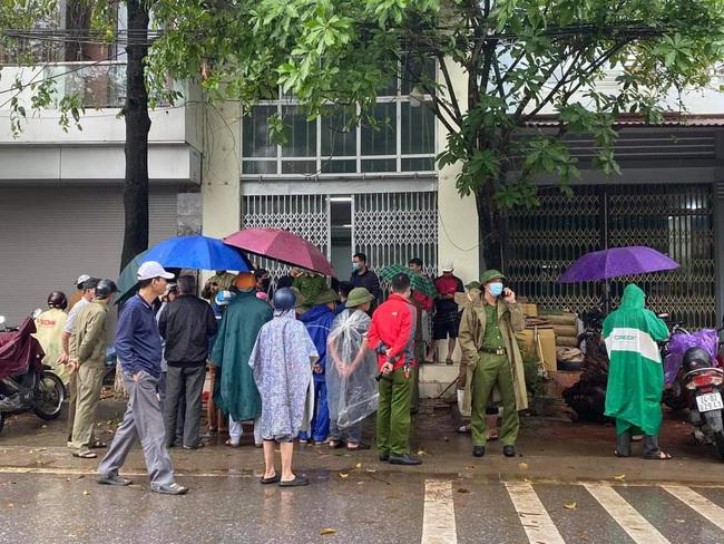 Lào Cai: Bàng hoàng phát hiện 2 vợ chồng tử vong tại nhà riêng, thi thể qua nhiều ngày đã biến dạng, bốc mùi hôi thối