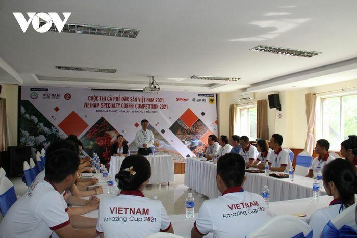 74 mẫu dự thi Cà phê đặc sản Việt Nam 2021