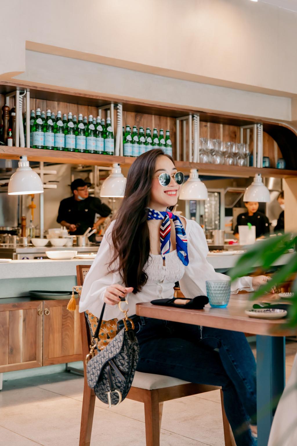 Ngắm trọn nhà hàng Địa Trung Hải được các hot Instagram ưa thích gần đây